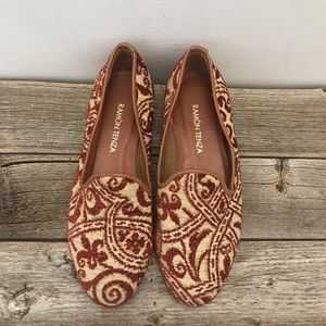 ♥️Ramón Tenza Embroidered Flats♥️